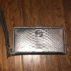 MK Wallet Great Condition.